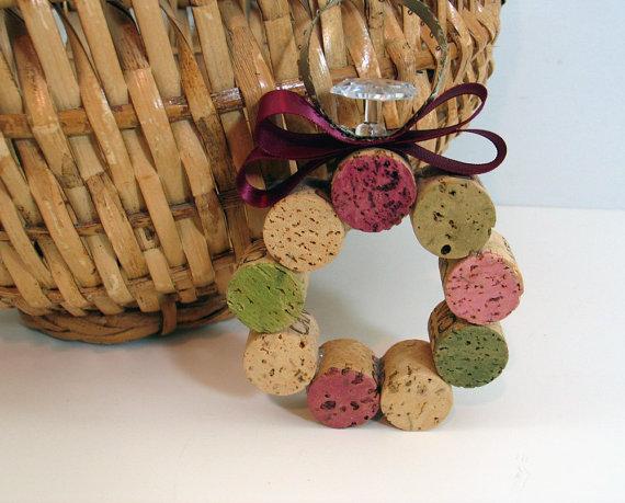 Wine cork wreath ornament nectar tasting room and wine blog Wine cork birdhouse instructions